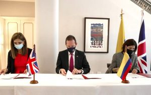 Colombia's Minister of Transport Ángela Orozco, British Ambassador Colin Martin-Reynolds CMG, and Alejandra Botero Barco, Director, National Planning Department